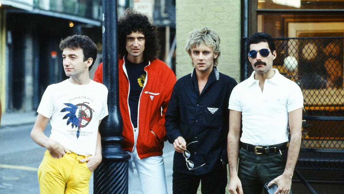 Queen - «Brian May's Hits» (Episode 22)